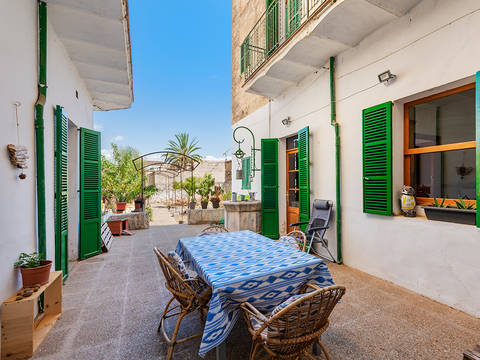 ALA20306 Town house investment opportunity in Alaró, ideal for commuting into Palma