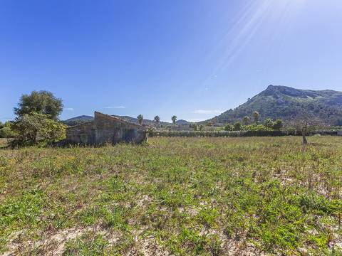 ALC0443 Great plot with good connections to nearby towns and Palma in countryside near Alcúdia