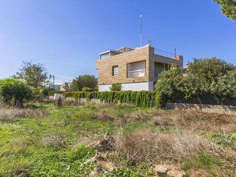 ALC0458 Plot very close to the sea within walking distance to Alcudia town centre