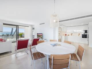 Luxury seafront apartment on the first floor with amazing views over the bay of Alcúdia
