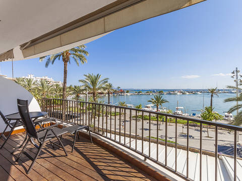 ALC11356 Modern apartment with spectacular sea views in a fantastic location in Puerto Alcúdia