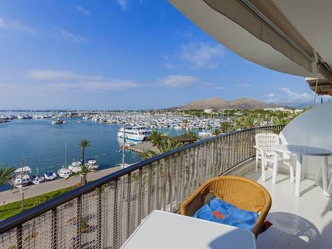 ALC11398 Large, frontline apartment with magnificent views over the marina and bay in Puerto Alcudia