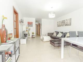 Modern ground floor apartment in well-kept community with parking space, Alcudia