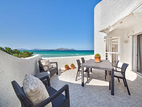 ALC11766 Wonderful sea view apartment with beach access in Alcudia