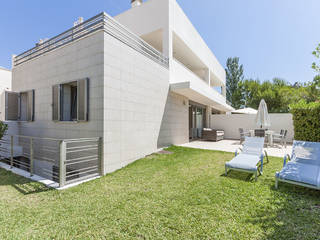 Modern and stylish semi-detached villas in prime location in Playa de Muro