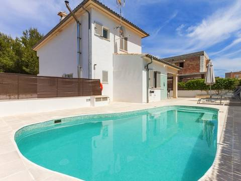ALC40168 Excellent holiday villa few minutes away from the beach in Can Picafort