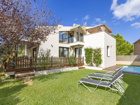ALC40558 Modern villa with holiday rental license close to the beach in Alcúdia