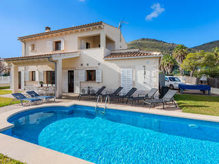 Villa with holiday rental license and pool, close to the beach in Alcudia