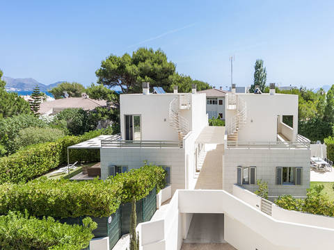 ALC4818PTP1 In prime beach location, modern and stylish semi-detached villas for sale in Playa de Muro