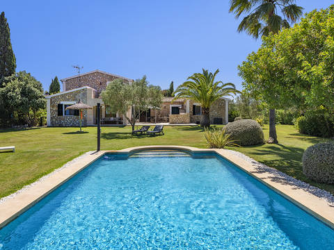 ALC50023POL5 Beautiful country property with mature gardens and pool situated in a peaceful location, Alcúdia
