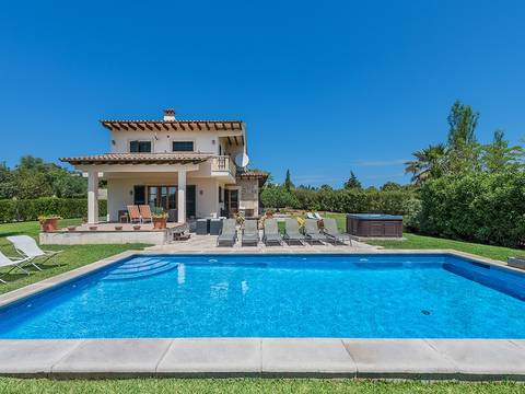 ALC5061 Charming country villa with pool on the outskirts of Alcúdia