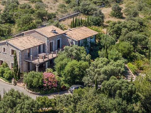 ALC52402POL5 Impressive country property enjoying panoramic views over Alcúdia bay and the mountains