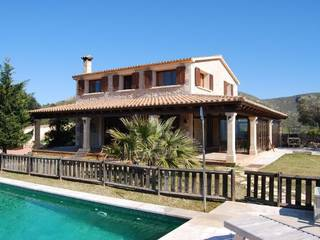 Stately stone villa with coveted holiday rental license and fantastic sea views near Bon Aire