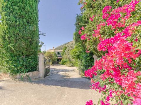 ALC5579 Investment property: Country home to reform only 10 minutes to the beach and Alcudia town