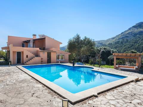 ALC5810 Country house for sale with pool in peaceful surroundings not far from historic Alcudia town