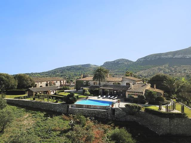 Stunning sixteenth century finca with sea views near Colonia de San Pere