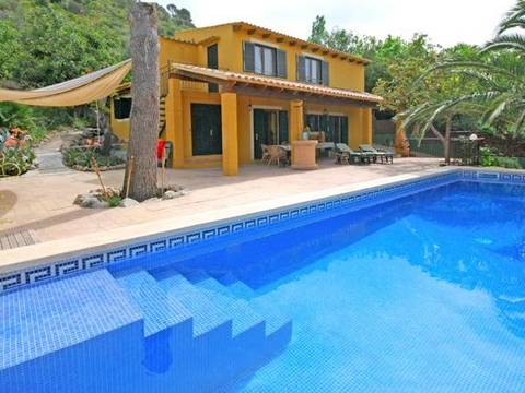 ALC5973ETV Lovely countryside property located in a quiet area close to Alcudia town
