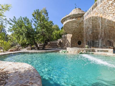 ALC5993 Plenty of privacy on magnificent Finca near Port Alcudia