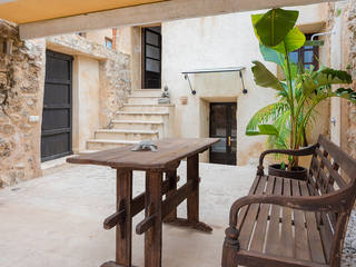Renovated 4 bedroom town house with pretty patio in Arta