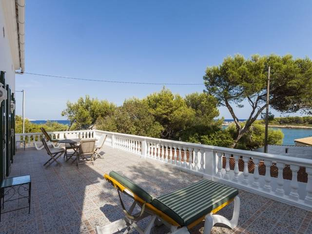 Mediterranean style villa for sale 20 metres away from the sea, near Font de Sa Cala
