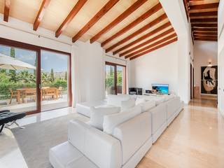 Wonderful modern villa with holiday rental license in prestigious Canyamel