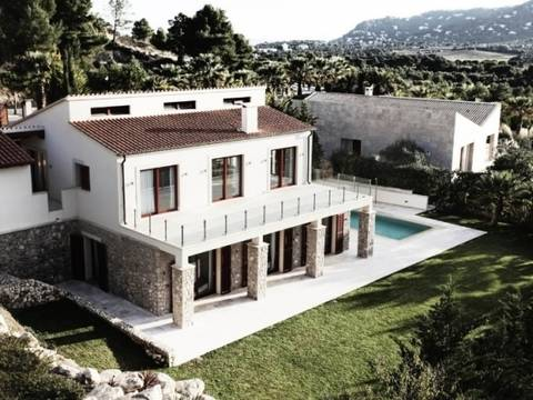 ART4KNO001 High class Villa for sale in idyllic landscape next to golf course, Canyamel