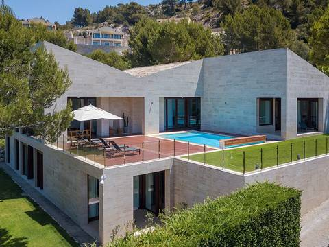 ART4KNO050 Magnificent modern Villa for sale overlooking the golf course, Canyamel