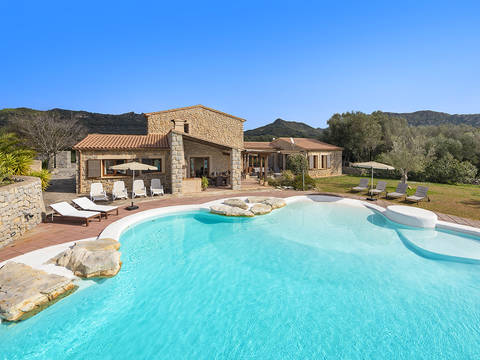 ART52496ETV Charming natural stone finca with rental license in the stunning countryside near Artà