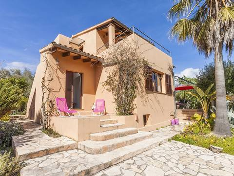 ART5887 This mediterranean country villa is located in peaceful surroundings close to Artá