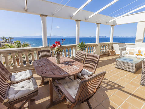BET11574ART2 Wonderful two storey, seafront apartment with stunning views and excellent facilities in Betlem