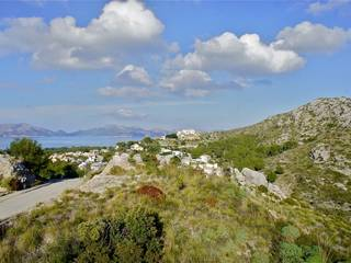 Plots for sale with sea views. Building single family detached villas in Mallorca, Balearic Islands.