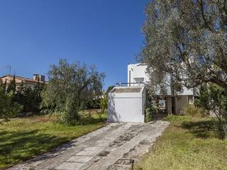 Sea view villa with 2 adjacent plots for sale at a minute´s walk to the sea in Mal Pas, Alcudia