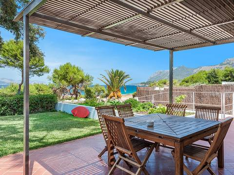 BON40072ETV Spectacular front line modernist villa 50 metres from the idyllic beach in Bon Aire
