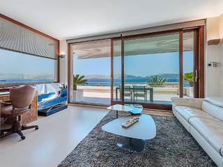 Spectacular luxurious villa with impressive sea views and pool in Bon Aire