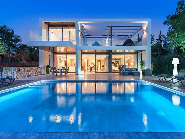 Super modern villa with sea views for sale in Bon Aire, north of Mallorca