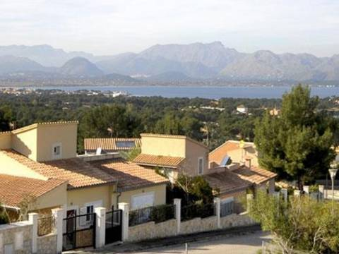 BON4488POL4-2 The villa is an unit of a development in Bonaire - Alcudia - Balearic Islands. An exciting development opportunity for 7 new build detached villas.
