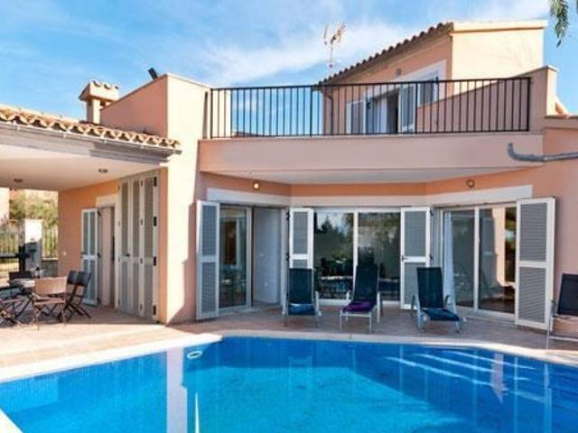 The villa is an unit of a development in Bonaire - Alcudia - Balearic Islands. An exciting development opportunity for 7 new build detached villas.