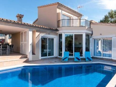 BON4488POL4-6 The villa is an unit of a development in Bonaire - Alcudia - Balearic Islands. An exciting development opportunity for 7 new build detached villas.