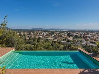 Modern villa in elevated postion with infinity pool enjoying stunning views near Palma