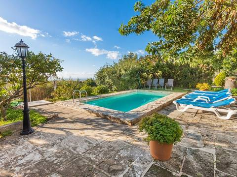 CAB5667 Traditional country property with panoramic views over to Palma bay, 5 minute drive to the centre