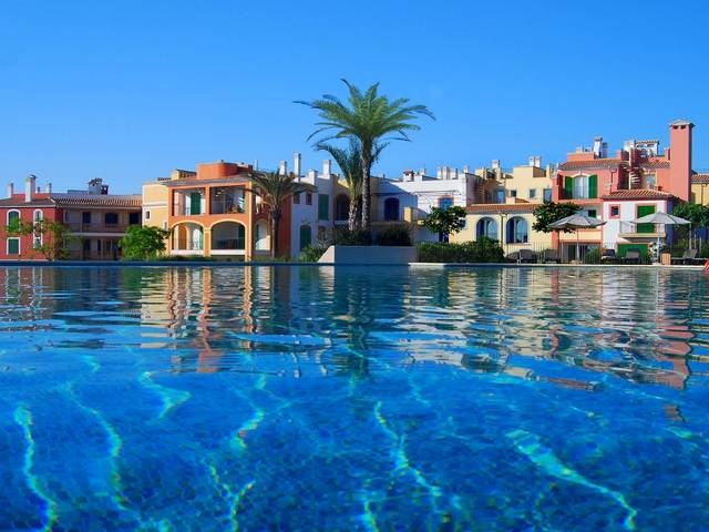 Apartments in Porto Colom in a luxury development with a huge swimming pool area