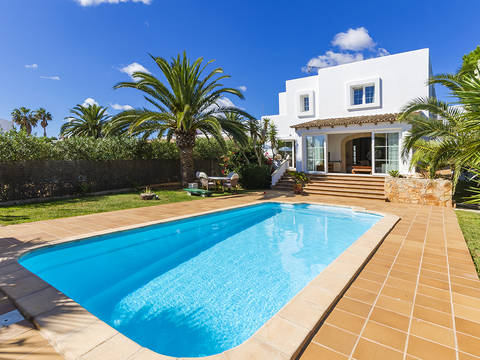 CAD40566 Attractive villa with pool, close to the marina in Cala d´Or
