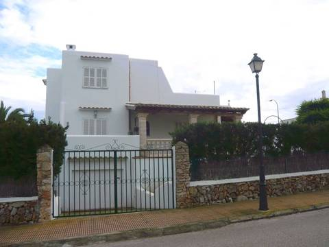 CAD4599 Lovely refurbished detached villa just a very short walk from the marina of Cala d´Or, East Mallorca