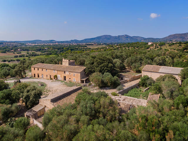 Rural finca with agrotourism licence, minutes from the beach in Sant Llorenc