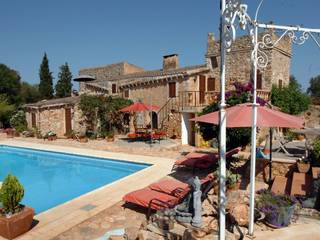 Charming country home near Felanitx with separate guest accommadation.