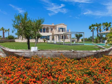 CADSES5963 Impressive country house newly built, perfect fusion of luxury and nature