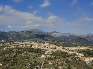 Plot with building project for sale near Campanet with stunning mountain views