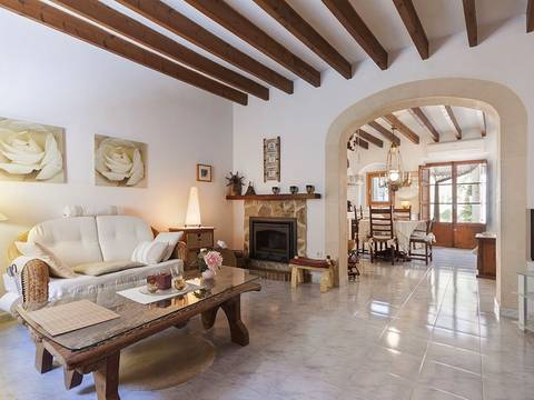 CAM20040 Charming Campanet town house for sale offering amazing views over to Alcúdia bay