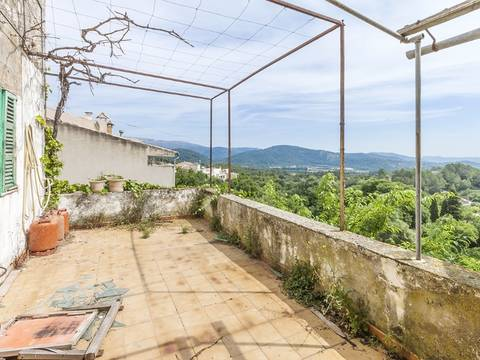 CAM20151CAM0 Fantastic village house for sale to reform with private garden and space to make a pool, Campanet