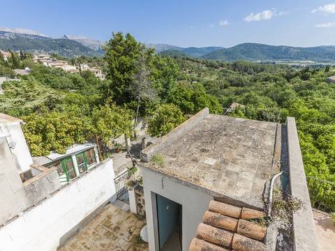 CAM20153 Town house for sale in need of reform and fantastic views in Campanet